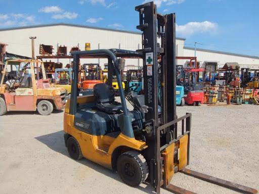 Xe nâng toyota 2.5 tấn được ứng dụng rộng rãi trong việc nâng hạ hàng hóa