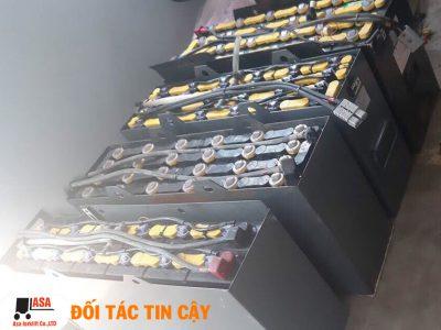 Chúng tôi cung cấp và phân phối bình điện xe nâng mới và cũ cho các xe nâng điện