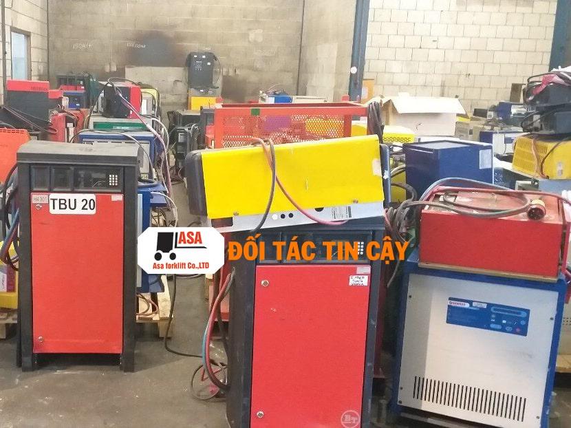 Những trang thiết bị máy móc đều được Asa đâu tư để có thể giúp cho việc sửa chữa xe nâng hàng