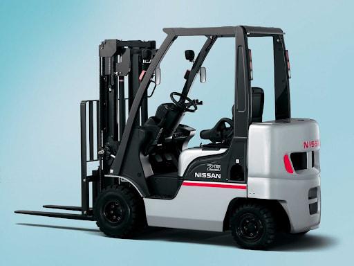Công suất làm việc của xe nâng điện ngồi lái được tối ưu nhờ có bộ điều tiết bằng điện tử