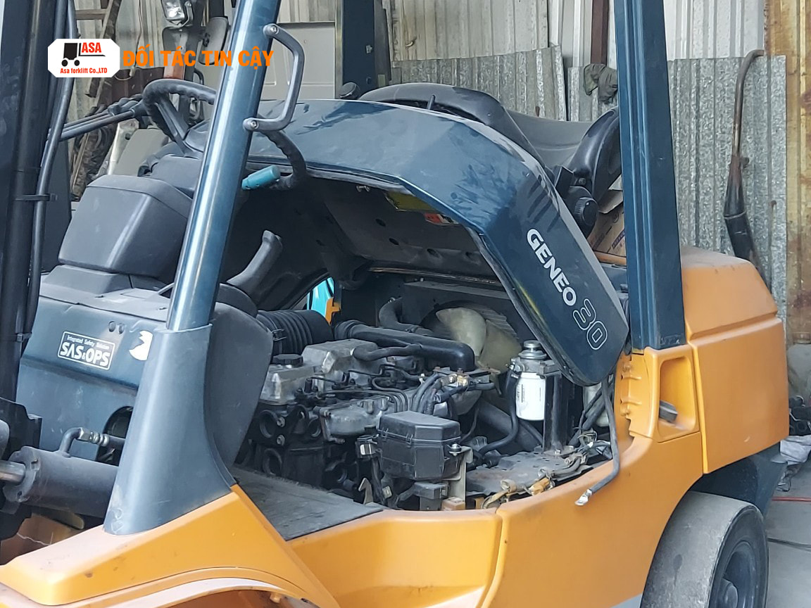 Xe nâng dầu 3 tấn Toyota giá rẻ