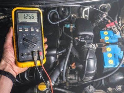Thông qua quá trình khởi động xe bạn có thể phát hiện được bình ắc quy có bị hư hỏng hay không